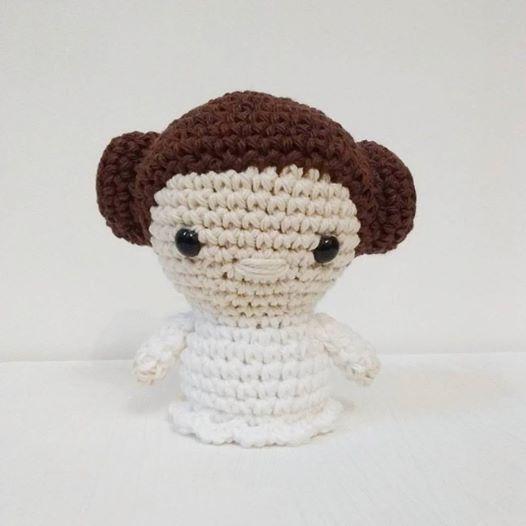 Mini Princesa Leia - Patrón en PDF - Universo Cora King
