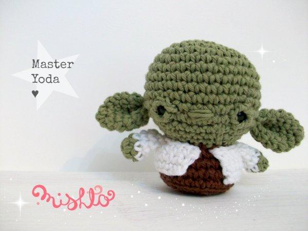 Mini Master Yoda - Patrón en PDF - Universo Cora King
